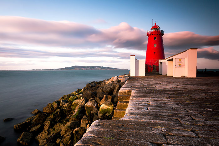 ireland-dublin-poolbeg-lighthouse