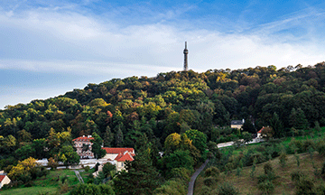 czech-republic-prague-petrin-tower-park