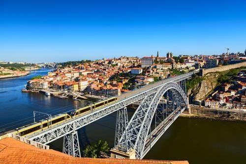 1 week in Europe in the fall | View over Porto and the Luís I Bridge