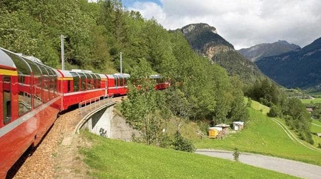 Bernina Express in summer mobile