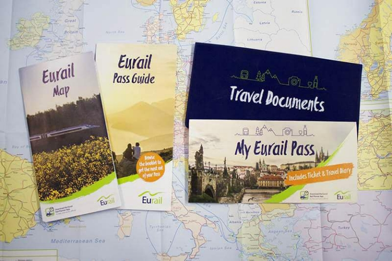eurail_pass_free_travel_pack_2017_small