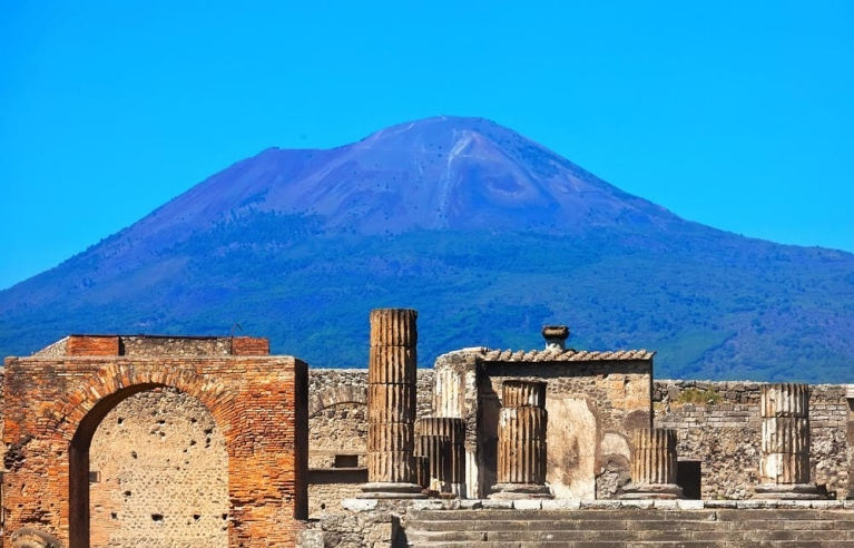 Pompeii in the shadow of Mount Vesuvius | Ancient History Tour