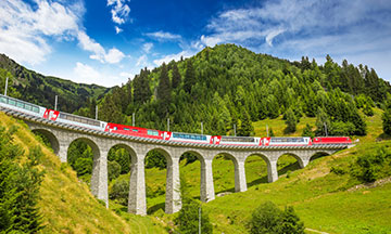 switzerland-landwasser-viaduct-train-on-sunny-day
