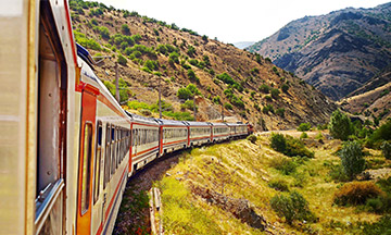 turkey-train-ride-in-mountain-region